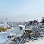 Promenade und Strandresidenz im Winter Bootshafen Kühlungsborn Ost