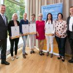 Verleihung-Zertifikat-Familienurlaub